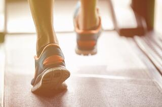 walking on a treadmill for physical exercise and brain health